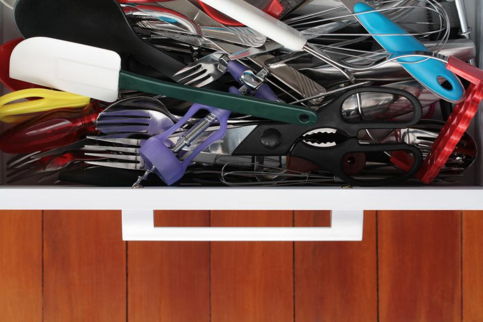banner-1 of These Tips Can Make Organizing Your Drawers a Breeze
